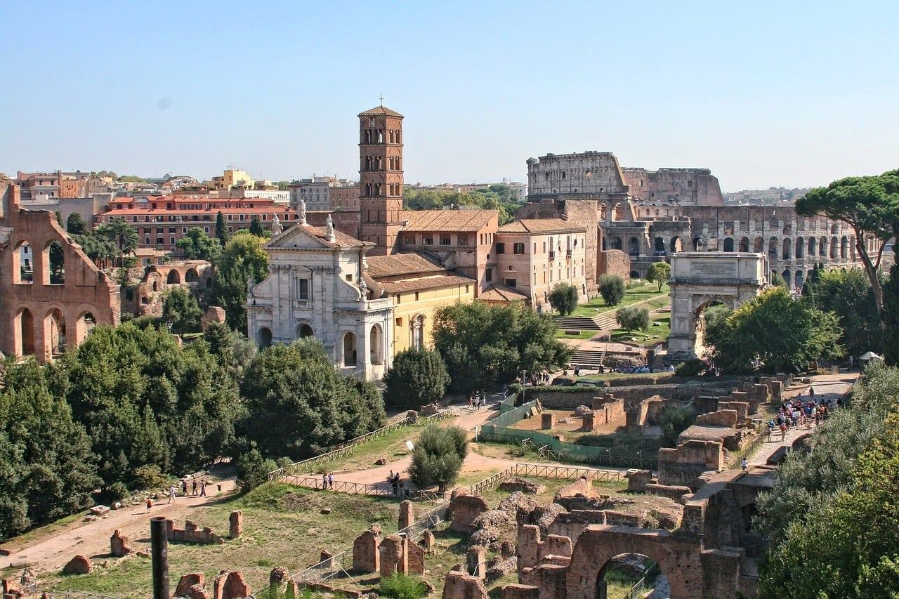 Lugares imprescindibles de Roma foro romano
