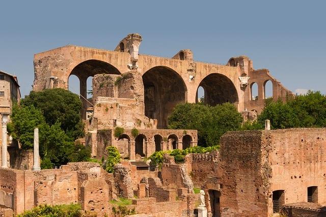 basilica majencio foro romano